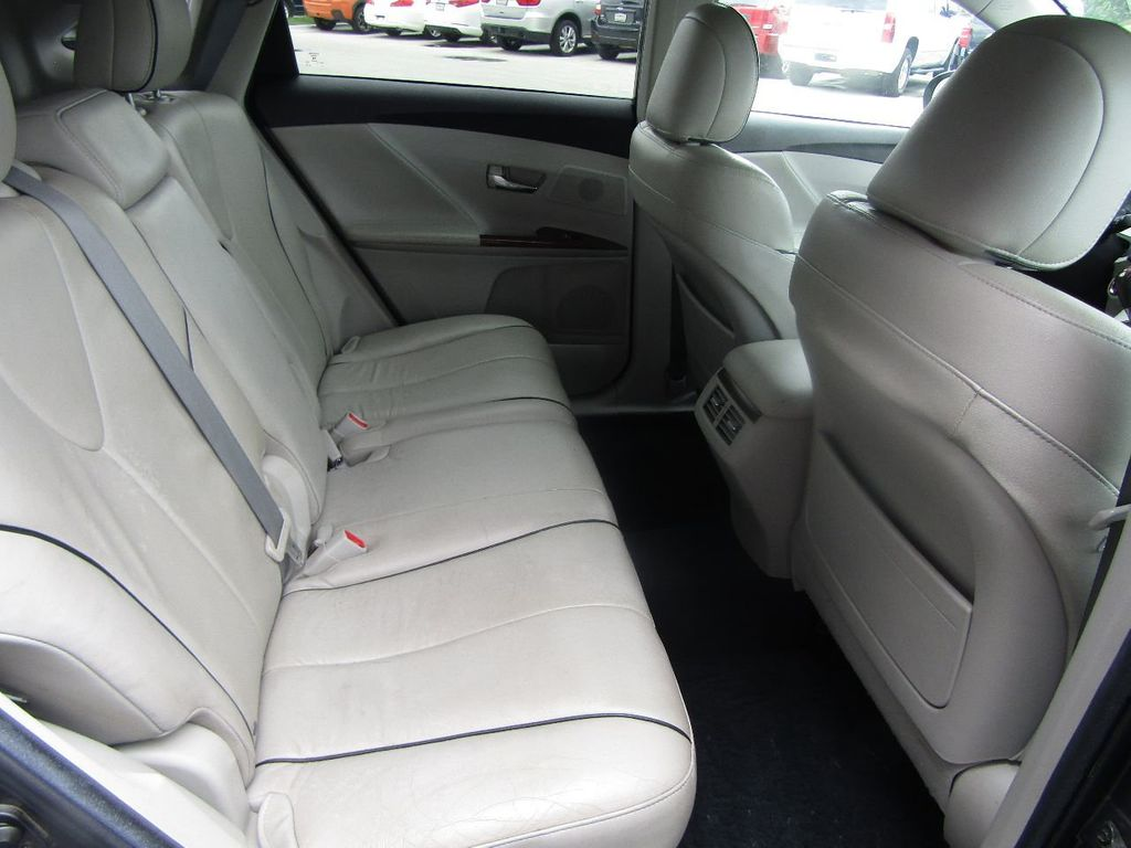 2011 Toyota Venza 4dr Wagon V6 FWD - 17796689 - 11