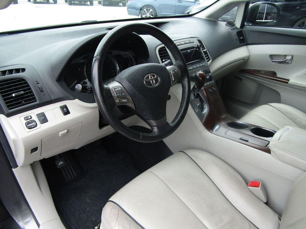 2011 Toyota Venza 4dr Wagon V6 FWD - 17796689 - 13