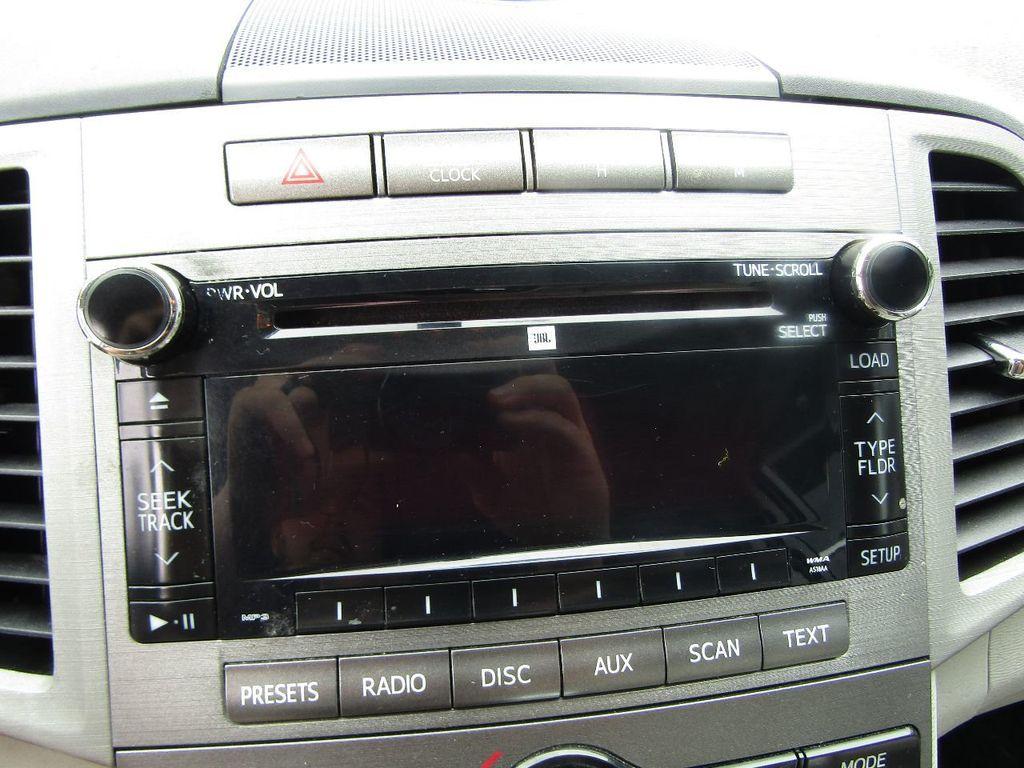 2011 Toyota Venza 4dr Wagon V6 FWD - 17796689 - 21