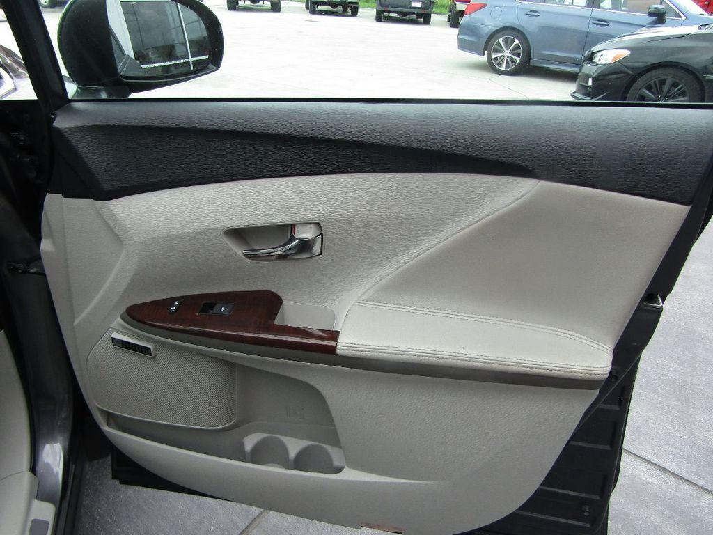 2011 Toyota Venza 4dr Wagon V6 FWD - 17796689 - 29