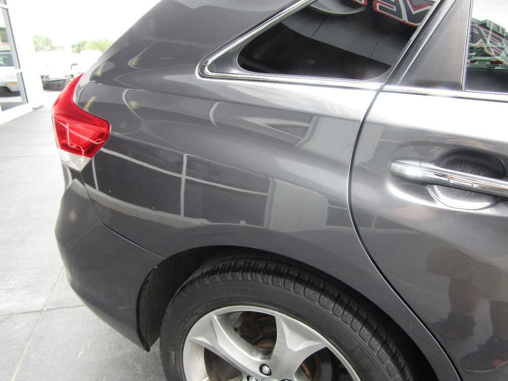 2011 Toyota Venza 4dr Wagon V6 FWD - 17796689 - 40