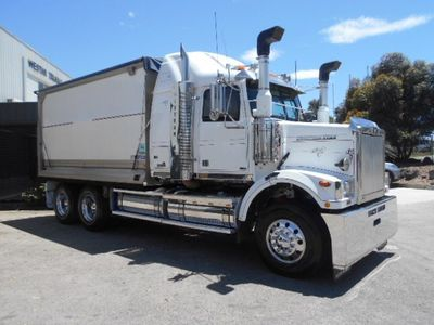 2011 Western Star 4864F alloy  body