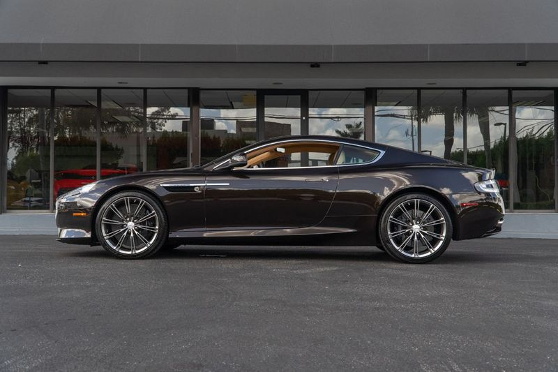 2012 Aston Martin Virage 2dr Coupe - Click to see full-size photo viewer