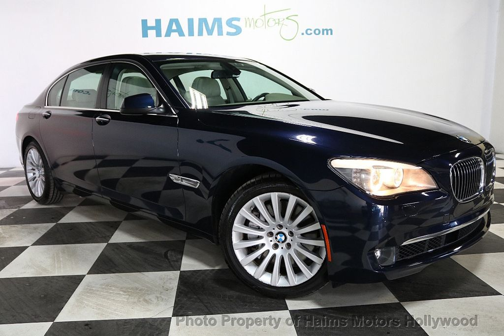 2012 BMW 7 Series 750Li xDrive - 18584875 - 3