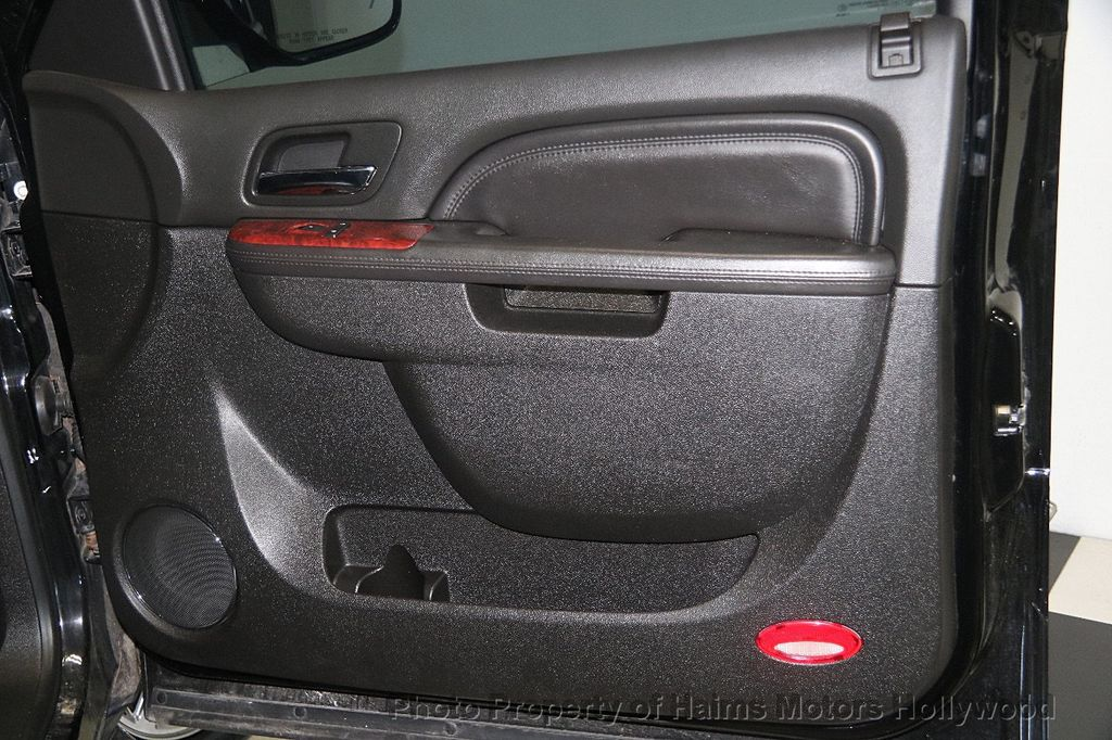 2012 Cadillac Escalade 2WD 4dr Luxury - 17382242 - 14