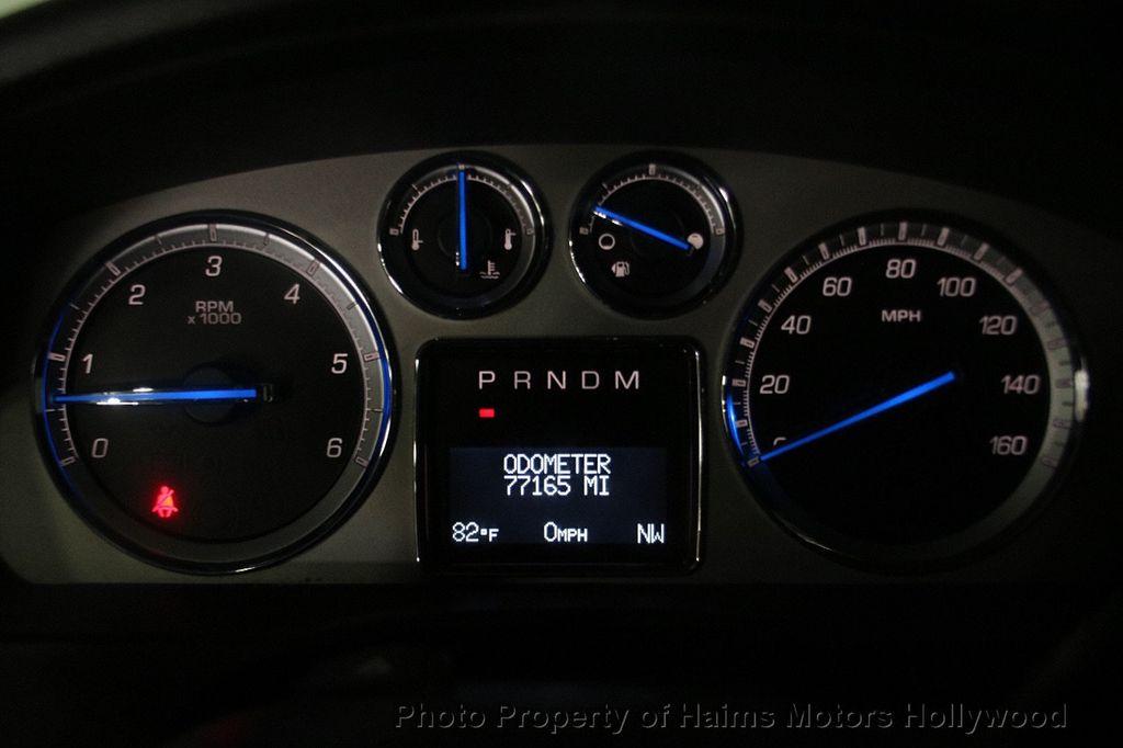 2012 Cadillac Escalade 2WD 4dr Luxury - 17382242 - 31