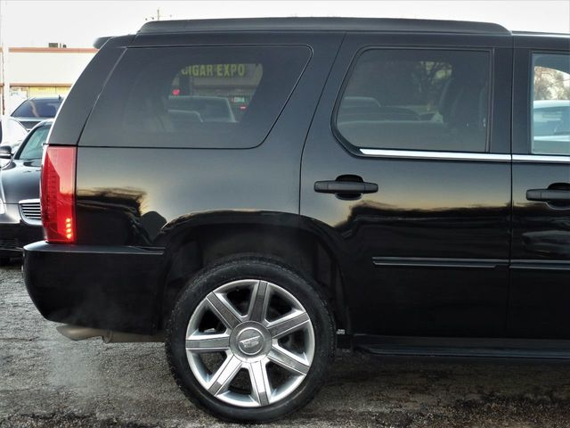 2012 Cadillac Escalade AWD 4dr Luxury - Click to see full-size photo viewer