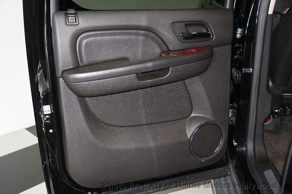 2012 Cadillac Escalade ESV 2WD 4dr - 17263774 - 11