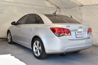2012 Chevrolet CRUZE 4dr Sedan LT w/2LT - Click to see full-size photo viewer