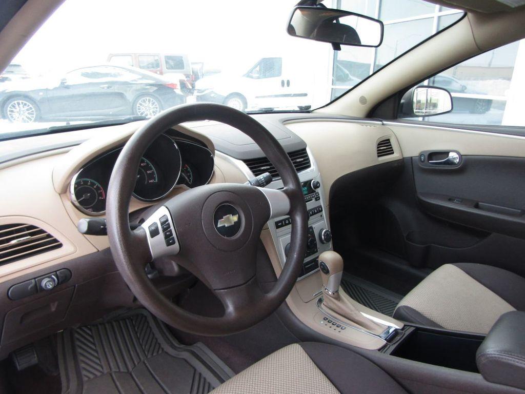 2012 Chevrolet Malibu LS - 14271115 - 11