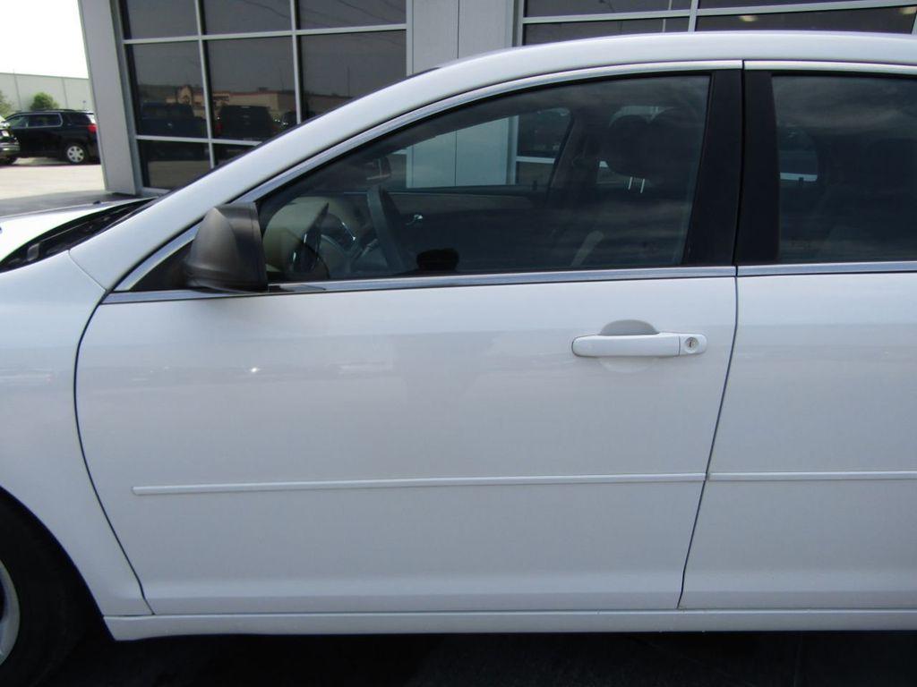 2012 Chevrolet Malibu LS - 14271115 - 19