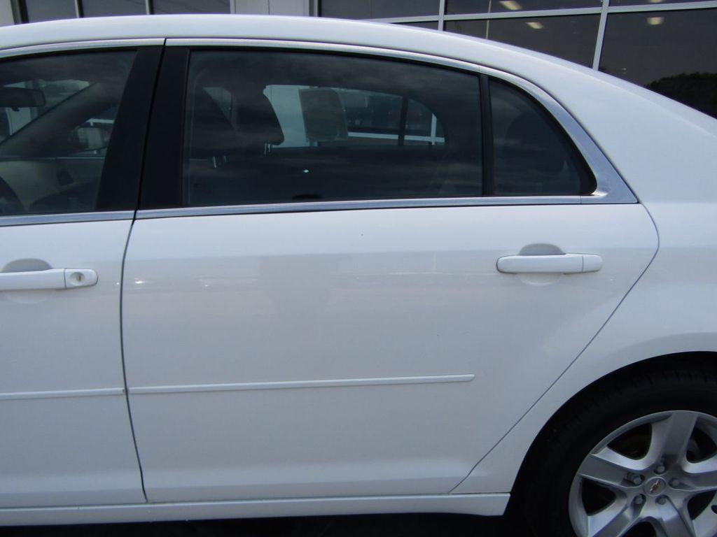 2012 Chevrolet Malibu LS - 14271115 - 20