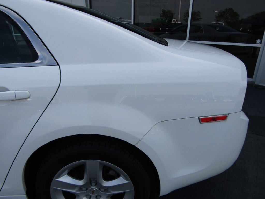 2012 Chevrolet Malibu LS - 14271115 - 21