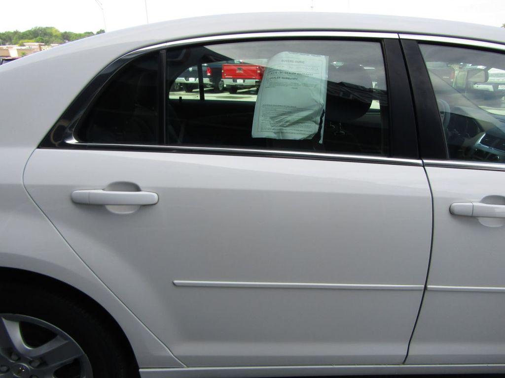 2012 Chevrolet Malibu LS - 14271115 - 23