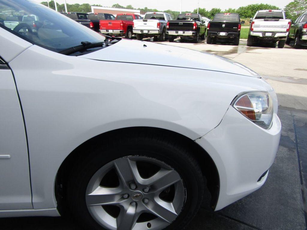 2012 Chevrolet Malibu LS - 14271115 - 25
