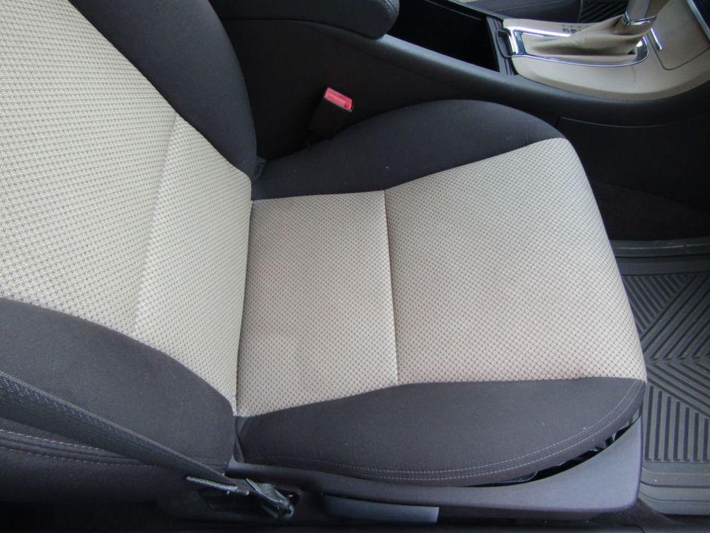 2012 Chevrolet Malibu LS - 14271115 - 26