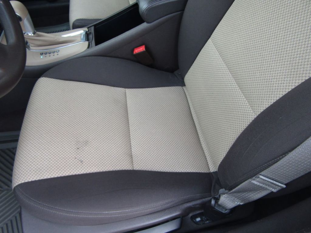 2012 Chevrolet Malibu LS - 14271115 - 27