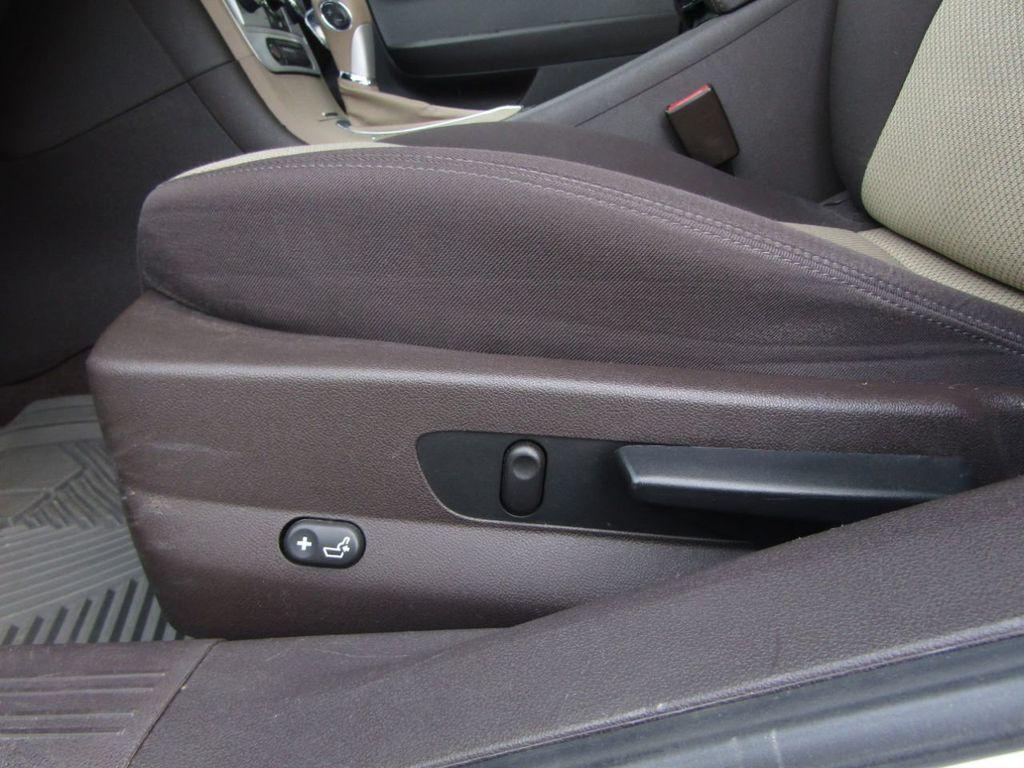 2012 Chevrolet Malibu LS - 14271115 - 28