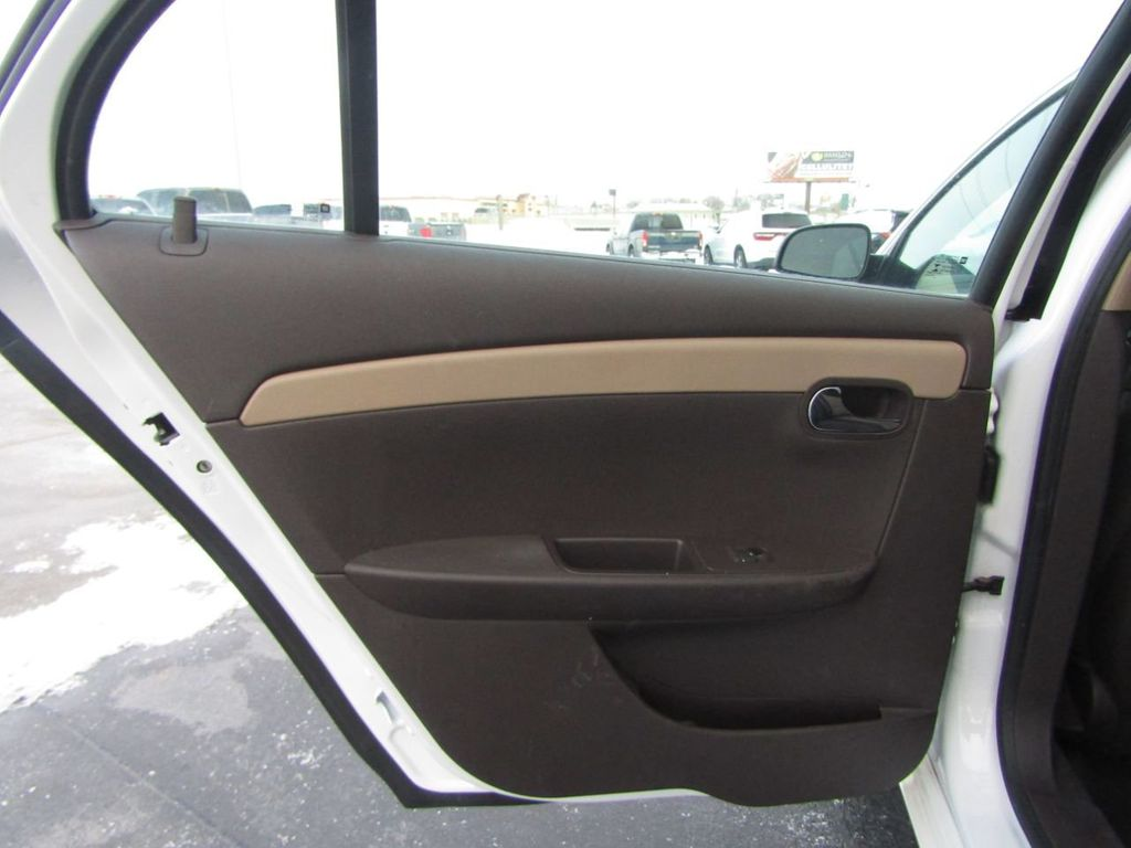 2012 Chevrolet Malibu LS - 14271115 - 31