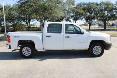 2012 Chevrolet Silverado 1500 4.8L 8 Cyl. 4WD Crew Cab Pickup Truck - Click to see full-size photo viewer