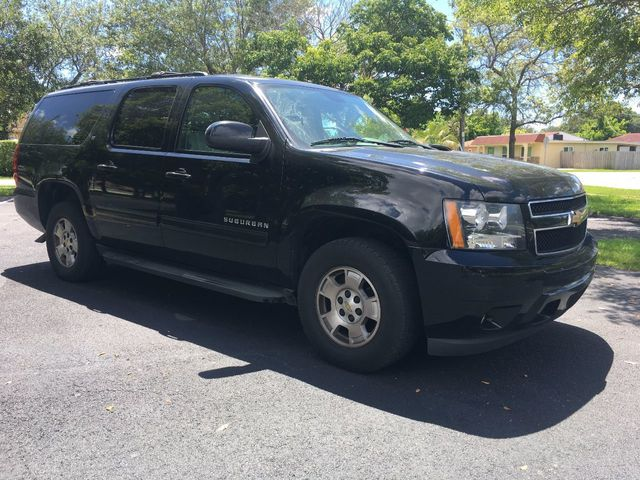 2012 Chevrolet Suburban 2WD 4dr 1500 LT - Click to see full-size photo viewer