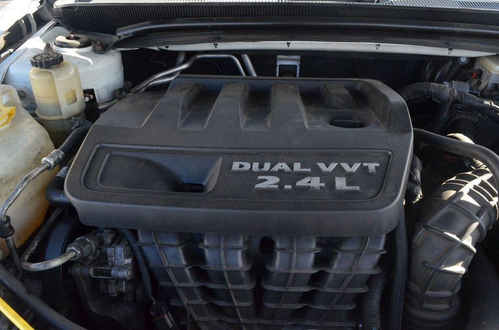 2012 Chrysler 200 4dr Sedan Limited - 17311365 - 12