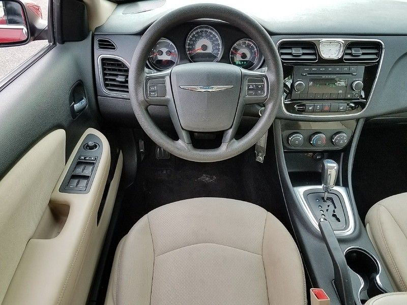 2012 Chrysler 200 4dr Sedan LX - 17053038 - 9