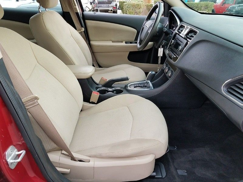 2012 Chrysler 200 4dr Sedan LX - 17053038 - 13