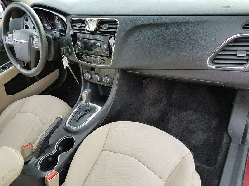 2012 Chrysler 200 4dr Sedan LX - 17053038 - 14