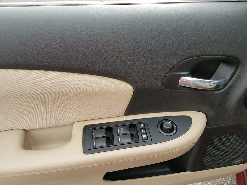 2012 Chrysler 200 4dr Sedan LX - 17053038 - 18