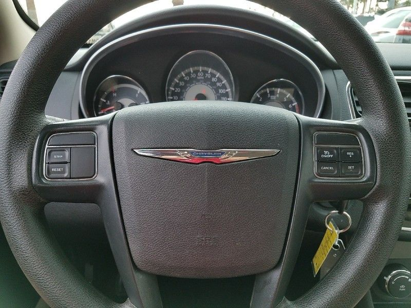 2012 Chrysler 200 4dr Sedan LX - 17053038 - 19