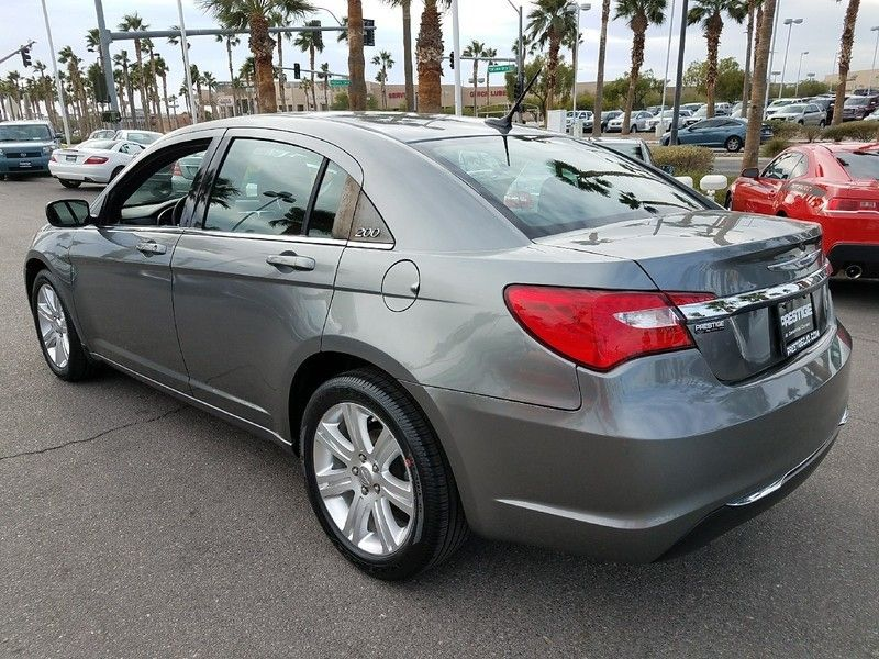 2012 Chrysler 200 4dr Sedan LX - 17075887 - 6
