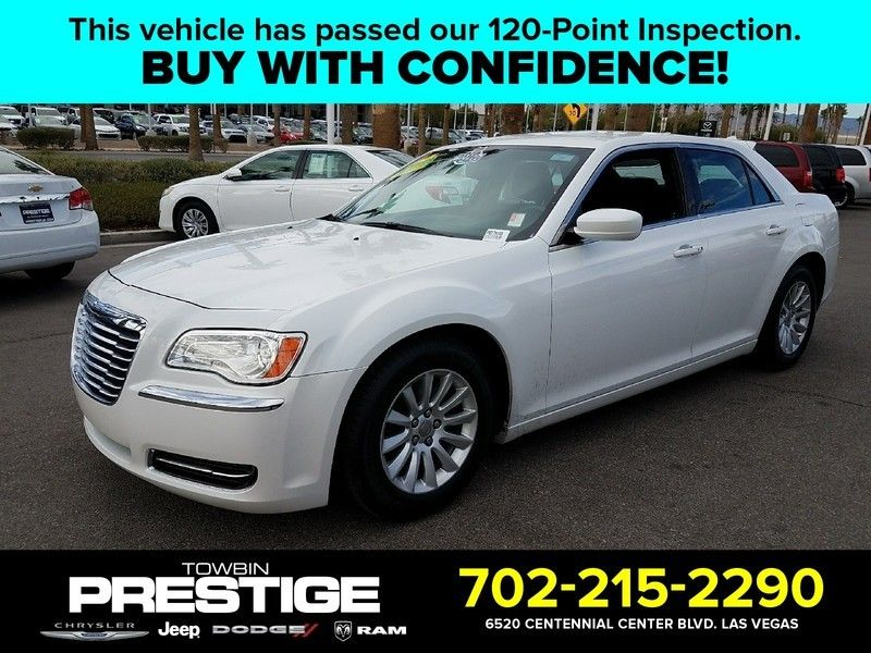 2012 Chrysler 300 4dr Sedan V6 RWD - 16988083 - 0