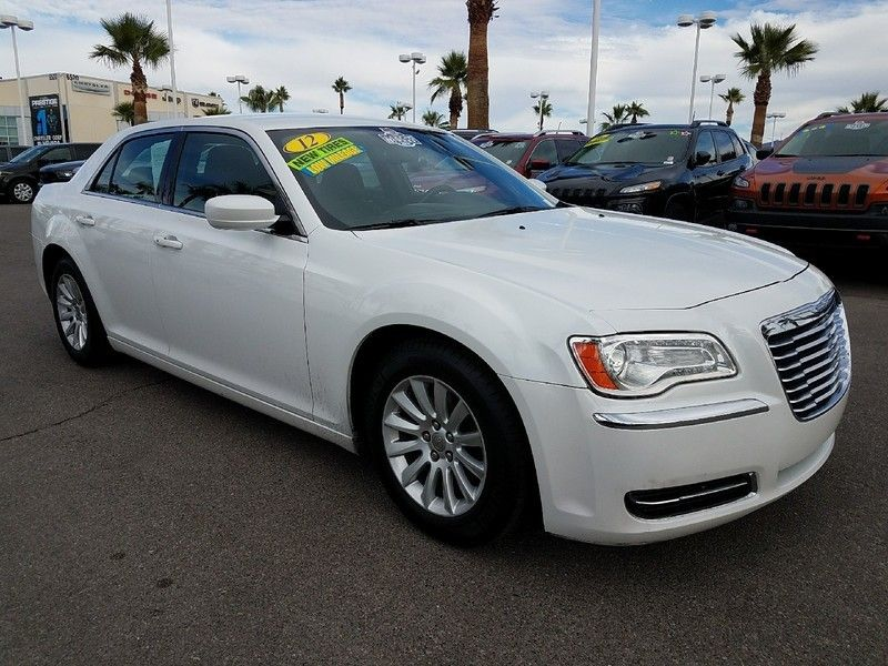 2012 Chrysler 300 4dr Sedan V6 RWD - 16988083 - 2