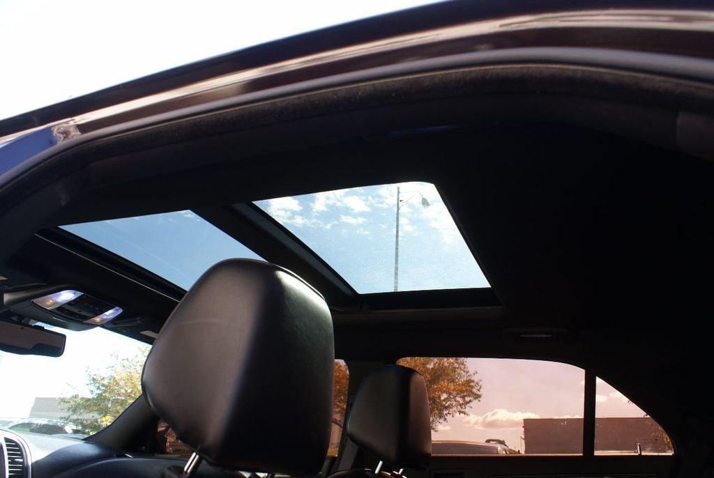 2012 Chrysler 300 4dr Sedan V8 300C RWD - 15615061 - 13