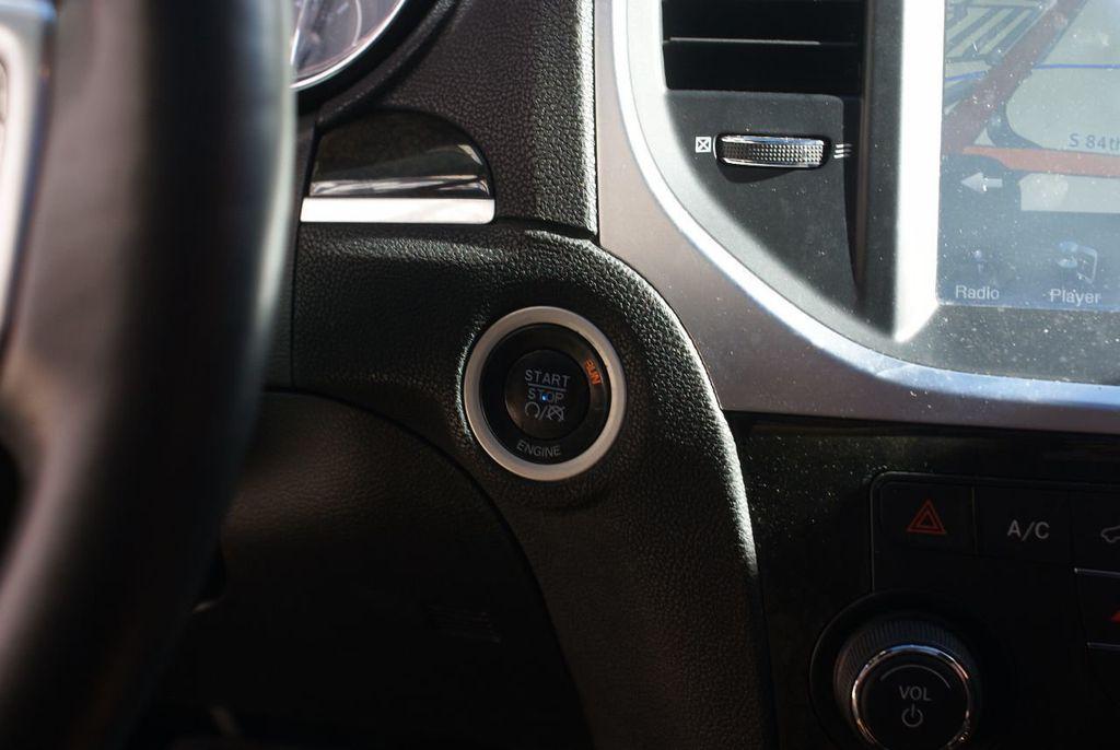 2012 Chrysler 300 4dr Sedan V8 300C RWD - 15615061 - 20