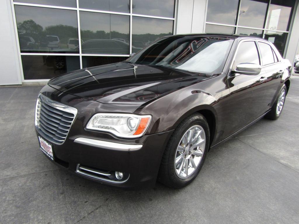 2012 Chrysler 300 4dr Sedan V8 300C RWD - 15615061 - 2