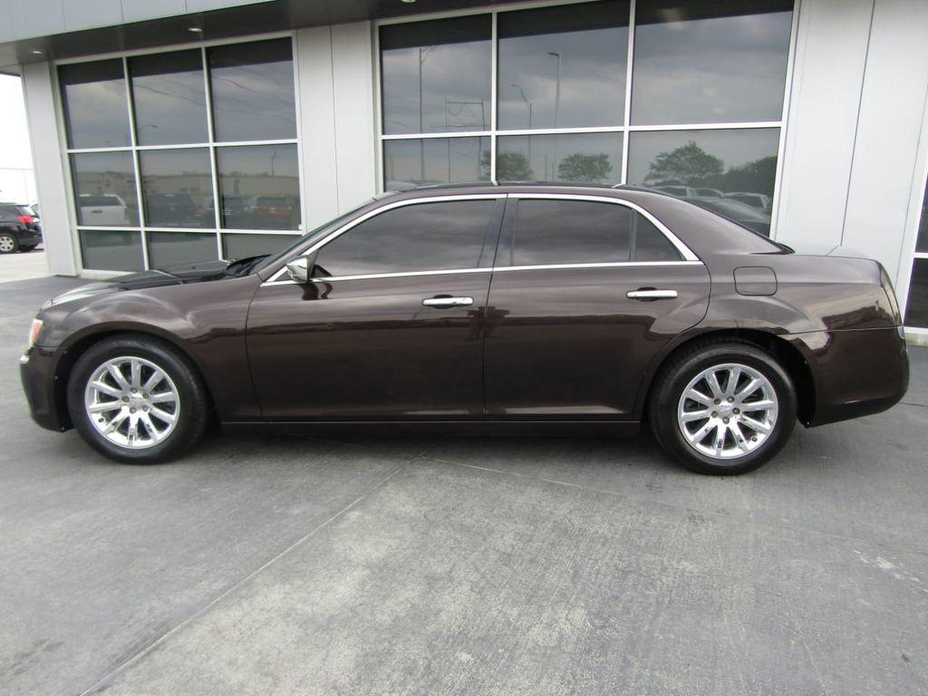 2012 Chrysler 300 4dr Sedan V8 300C RWD - 15615061 - 3