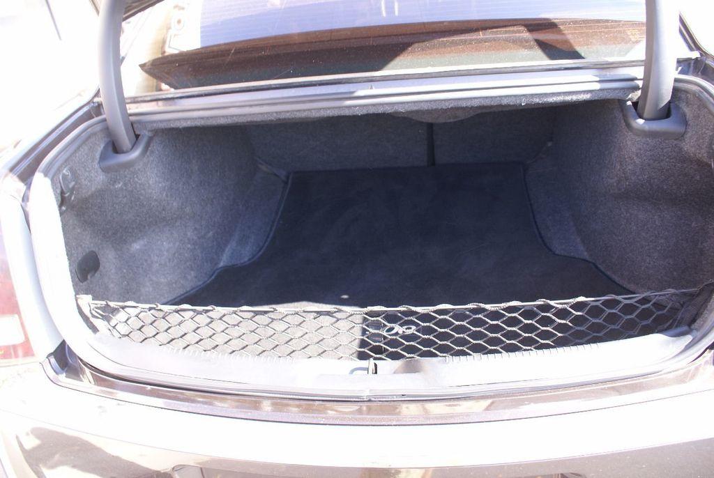 2012 Chrysler 300 4dr Sedan V8 300C RWD - 15615061 - 41