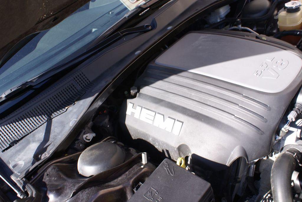 2012 Chrysler 300 4dr Sedan V8 300C RWD - 15615061 - 42