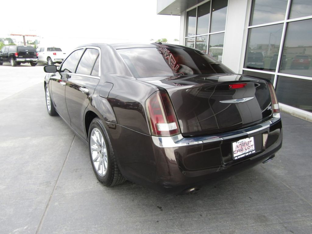 2012 Chrysler 300 4dr Sedan V8 300C RWD - 15615061 - 4