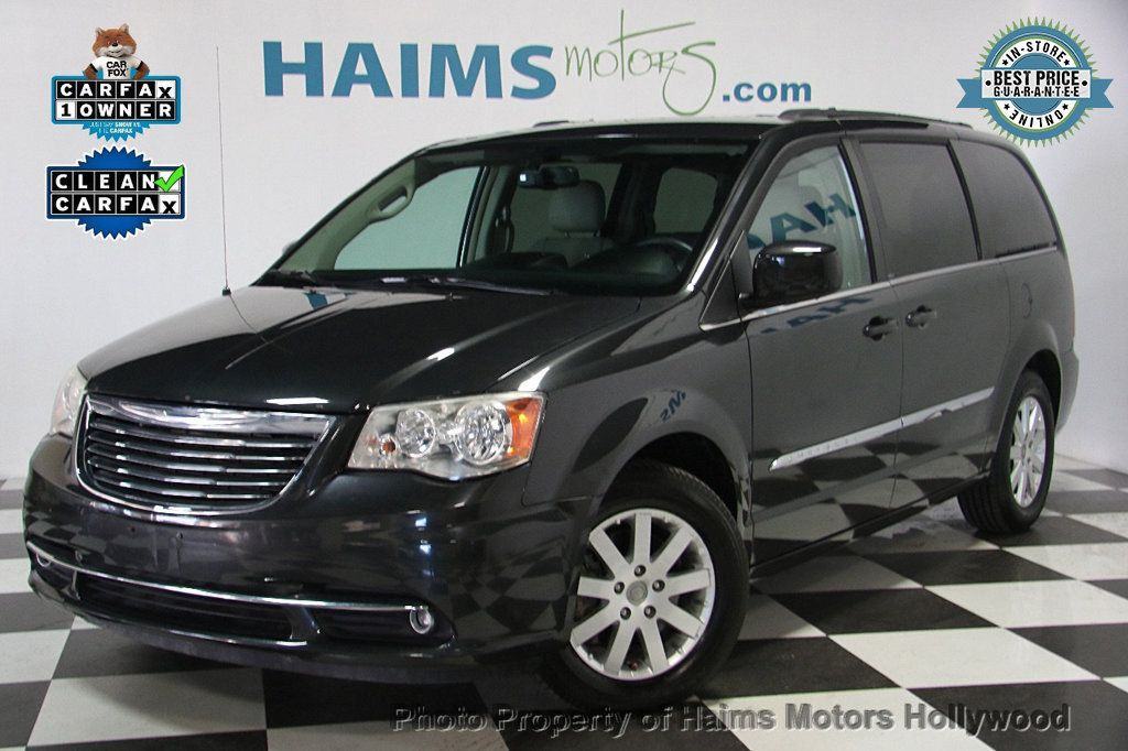 2012 Chrysler Town & Country 4dr Wagon Touring - 17019826 - 0