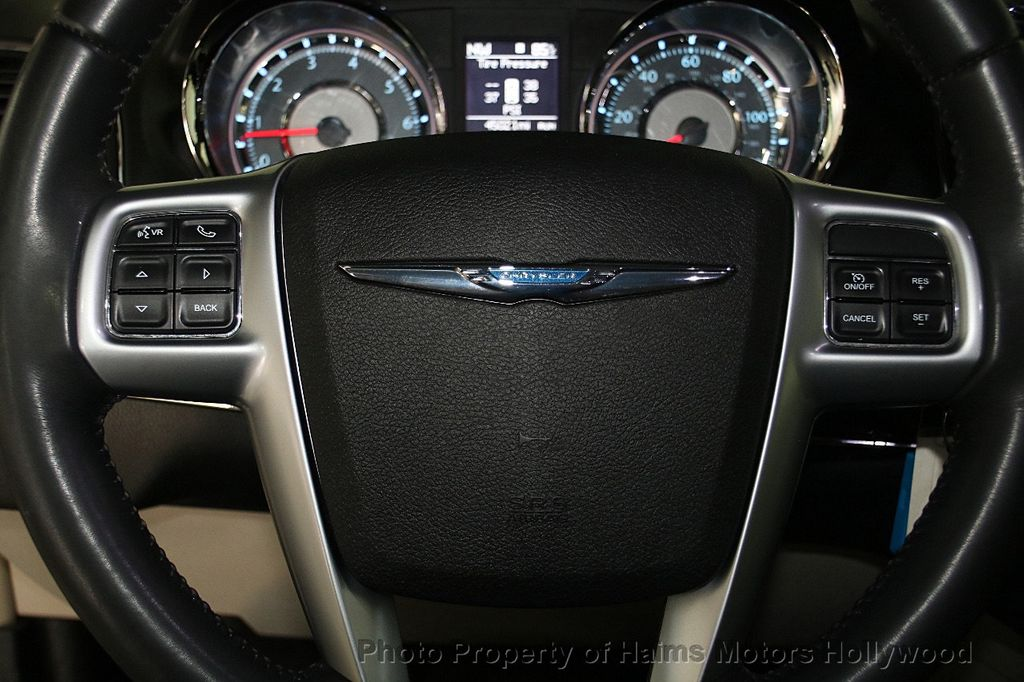 2012 Chrysler Town & Country 4dr Wagon Touring - 17019826 - 27