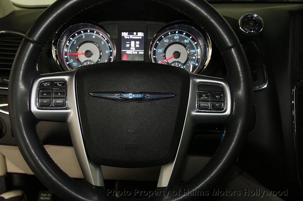 2012 Chrysler Town & Country 4dr Wagon Touring - 17019826 - 28