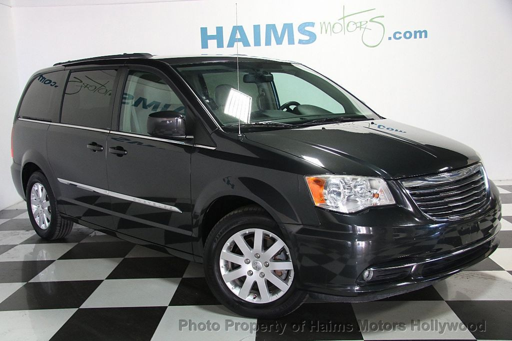 2012 used chrysler town country 4dr wagon touring at. Black Bedroom Furniture Sets. Home Design Ideas