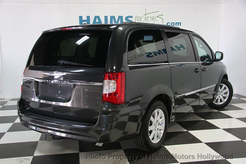 2012 Chrysler Town & Country 4dr Wagon Touring - 17019826 - 6