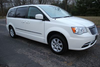 2012 Chrysler Town & Country ONE OWNER TOURING w/ LEATHER Van