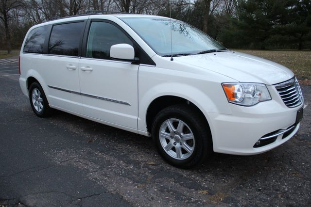 2012 Chrysler Town & Country ONE OWNER TOURING w/ LEATHER