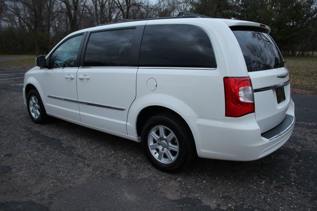 2012 Chrysler Town & Country ONE OWNER TOURING w/ LEATHER - Click to see full-size photo viewer