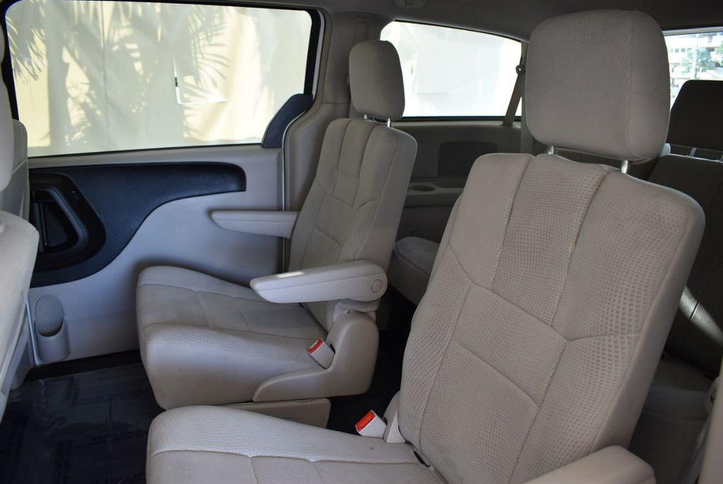 2012 Dodge Grand Caravan 4dr Wagon Crew - 18112050 - 11